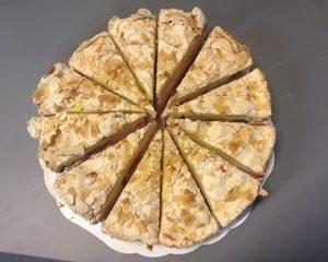 Britakakku | Design Hillin oman leipomon kakku
