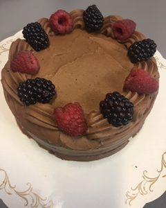 Suklaakakku | Design Hillin oman leipomon kakku